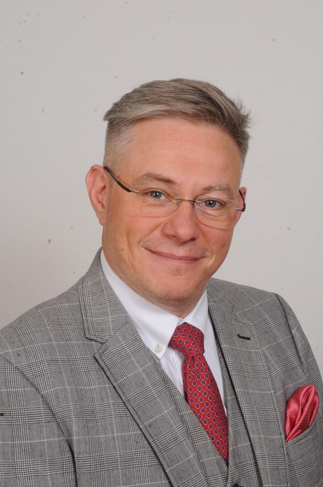 Dr- Szabad Zoltán